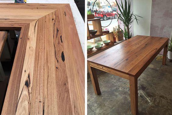 Banco de madeira reciclado topo e mesa por Retrograde Furniture, Melbourne