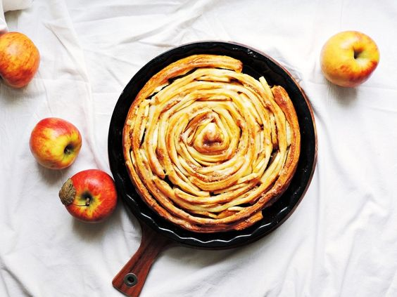 Riesen Apfel-Schnecke mit Zimt und Mandeln