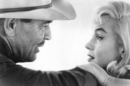 Marilyn Monroe and Clark Gable on the set of The Misfits Photos by  Cornell Capa