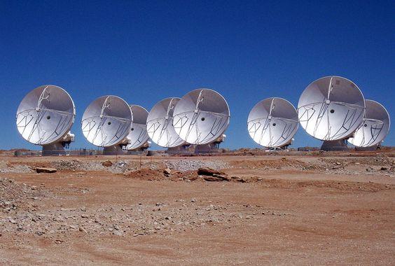 Il correlatore di ALMA trasforma tante antenne in un unico telescopio gigante.