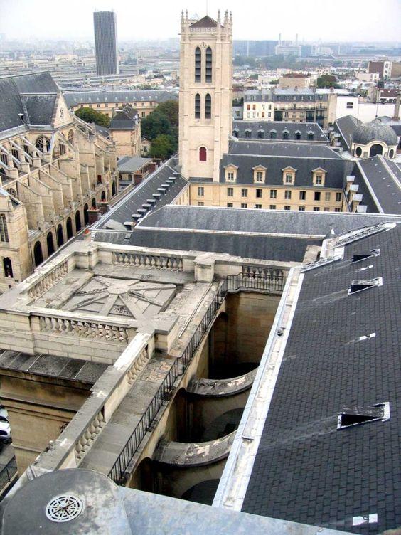 Vue sur la tour Clovis et les toits du lycée Henri IV, Paris V