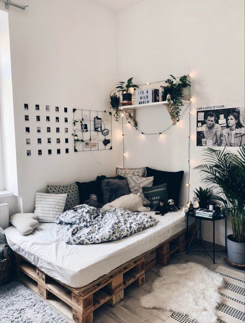 How To Decorate Your Blank Walls 17 Inspirational Chic Ideas Ecemella In 2021 Room Inspiration Bedroom Room Design Bedroom Redecorate Bedroom