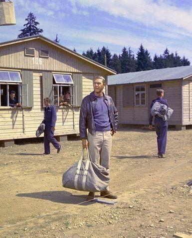 捕虜収容所