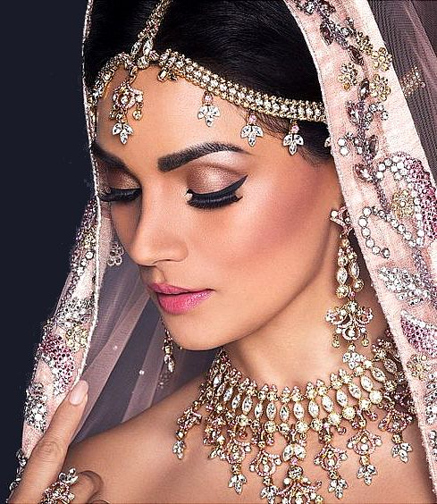 Best Bridal Makeup Artist In Mumbai Bridal Makeup Artist In India Wedding Make Up Artist Indian Wedding Makeup Indian Bridal Makeup Indian Wedding Jewelry