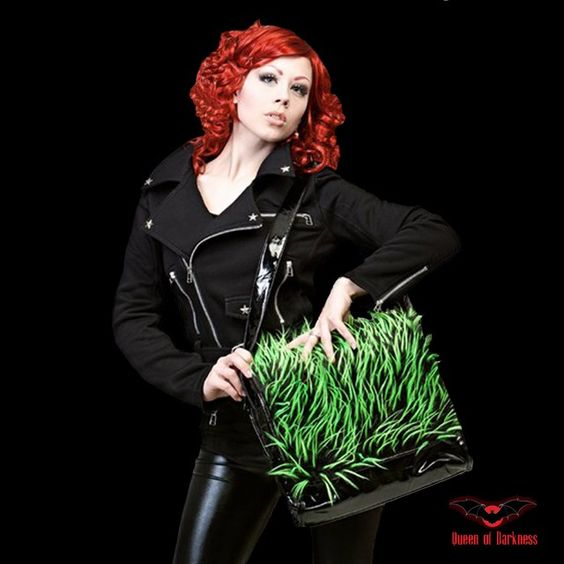 Sac Noir avec fausse fourrure verte