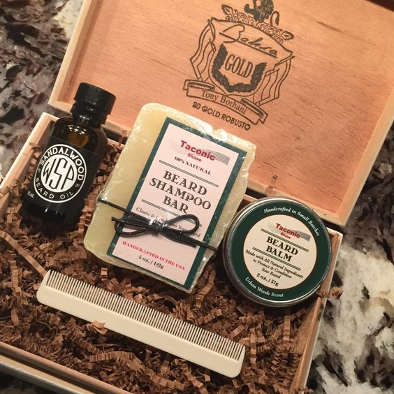 beard kit includes handcrafted beard balm beard shampoo beard oil beard comb grooming set. Black Bedroom Furniture Sets. Home Design Ideas