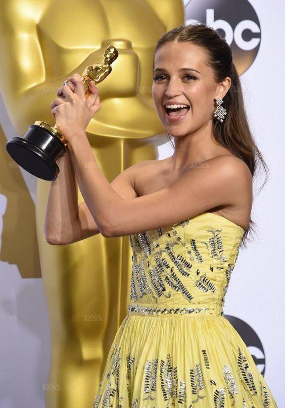 """L'actrice suédoise Alicia Vikander, meilleur second rôle féminin pour son interprétation de Gerda Wegener dans """"The Danish Girl"""". Photo AFP"""