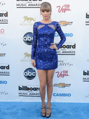 Taylor Swift in a Zuhair Murad mini-dress at the 2013 Billboard Music Awards. I'm obsessed with this one!