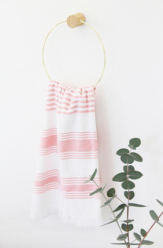 diy wooden towel ring, make your own towel ring, diy metal towel ring