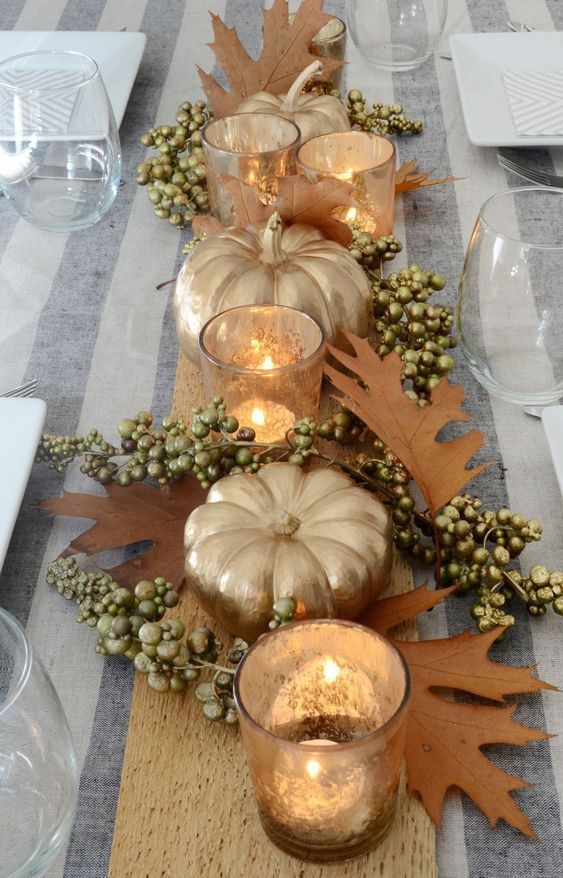 10 Beautiful Decoration Ideas For Thanksgiving Tables In 2020 Thanksgiving Table Decorations Thanksgiving Table Centerpiece Simple Thanksgiving Table