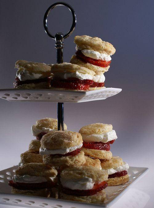 Strawberry mini scones (recipe)