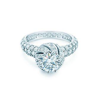 ティファニーのエンゲージメント リング | Tiffany & Co.