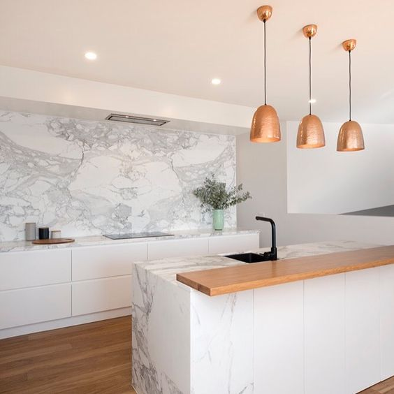 Calacatta marble kitchen by Ben Kennedy Building