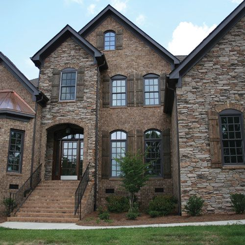 Dutch quality natural blend ledgestone stone facade sample for Brick and stone house facades