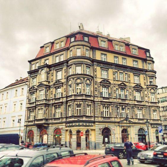#prgbuildings #prague #praha #Прага #oldtown #history #historicalprague #architecture #praguehistory #praguebuildings #oldbuilding #urbanism #praguecity #praguestagram #pragueoldtow