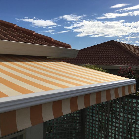 Folding Arm Awning In Manurewa Retractable Awning Architecture Awning