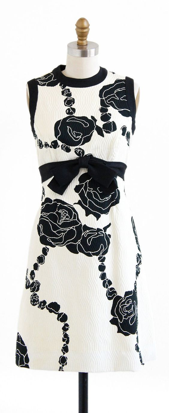 vintage 1960s black + white graphic roses dress   Mad Men mod dresses   http://www.rococovintage.com