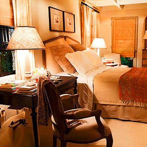 Love this cozy bedroom....