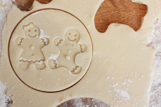jestcafe.com-Baking Christmas Cookies with children. The good, the bad and the ugly #christmascookies #baking