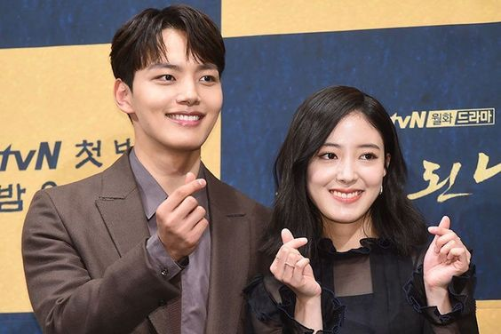 """Yeo Jin Goo Talks About Getting Closer To Lee Se Young + Concerns About """"The Crowned Clown"""" Role"""