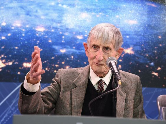Legendary physicist Freeman Dyson talks about math nuclear rockets and astounding things about the universe
