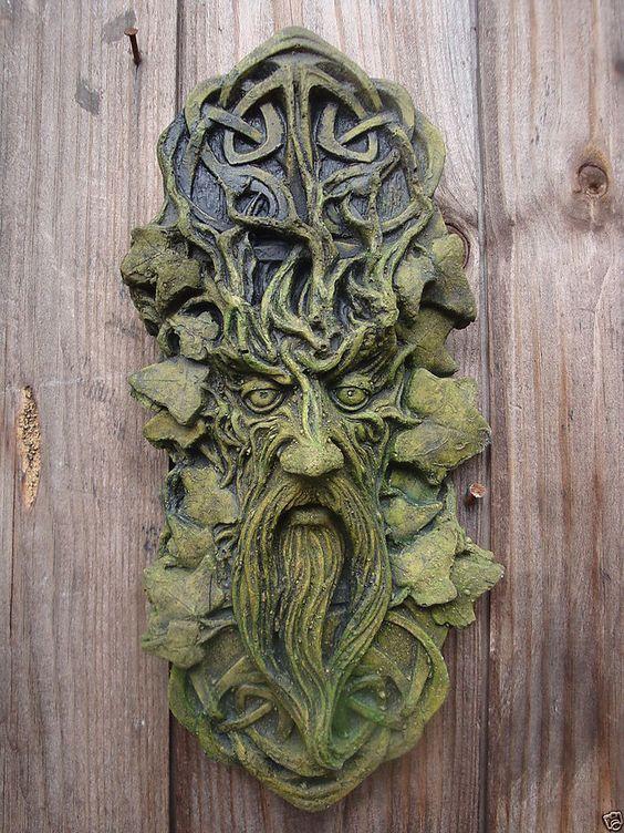 CELTIC GREEN MAN GREENMAN DECORATIVE WALL PLAQUE Frostprf STONE garden ornament