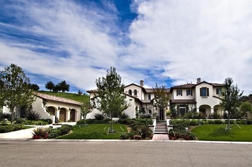 Lets Get This Straight Khloe Kardashian Buys Justin Biebers House To Be Near Kourtney And Kris