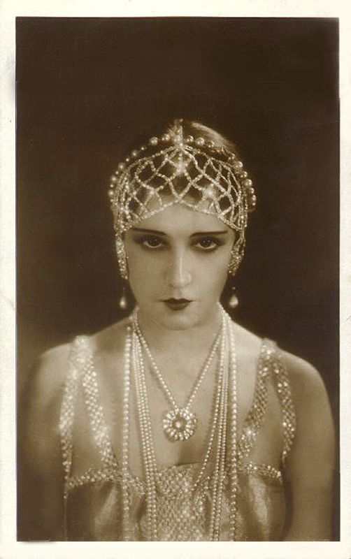 1920s glamour headdress