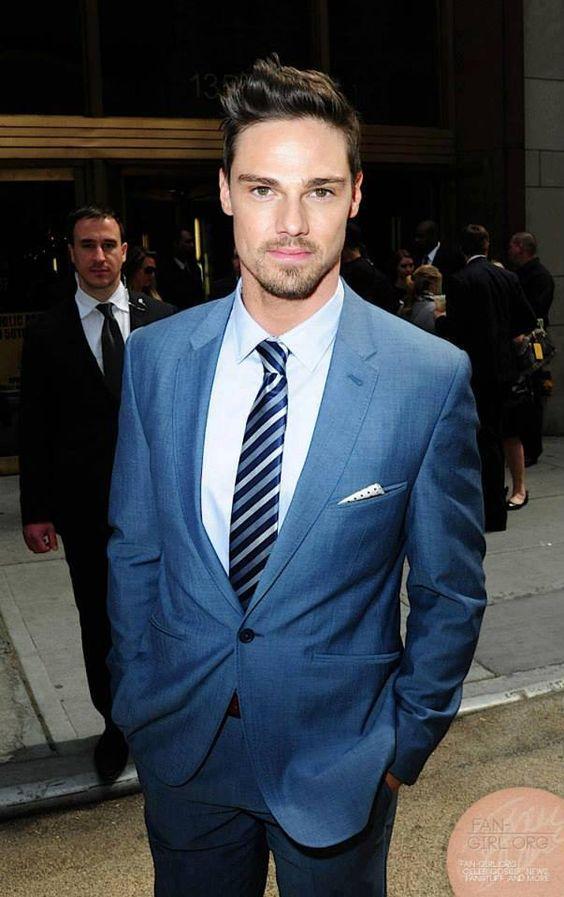 Jay Ryan at CW Upfronts 2013 red carpet. Fashionable man! Love. #fashion #men #redcarpet