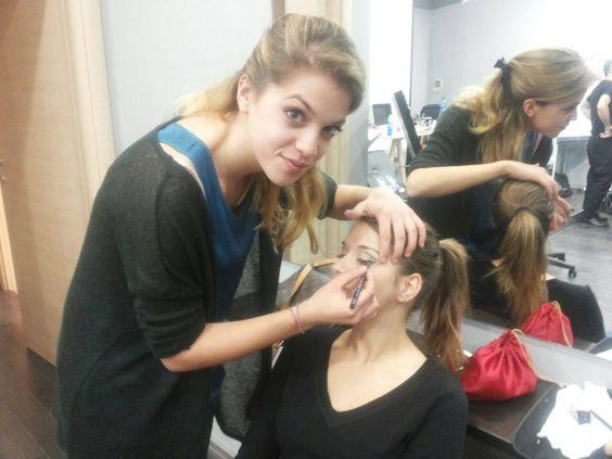 CORSI PER ESTETISTE A PALERMO.  Secondo giorno corso di trucco. #makeup #phsformazioneparrucchieri