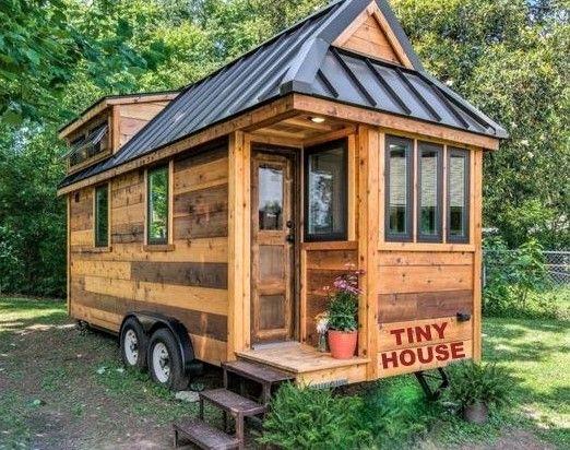 La Tiny House Petite Maison Roulante Tiny House Mobile Petite Maison Salle De Bains Maison Minuscule