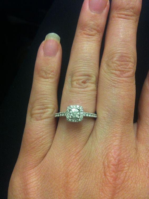 #engagement ring #halo #vera wang  anillos boda
