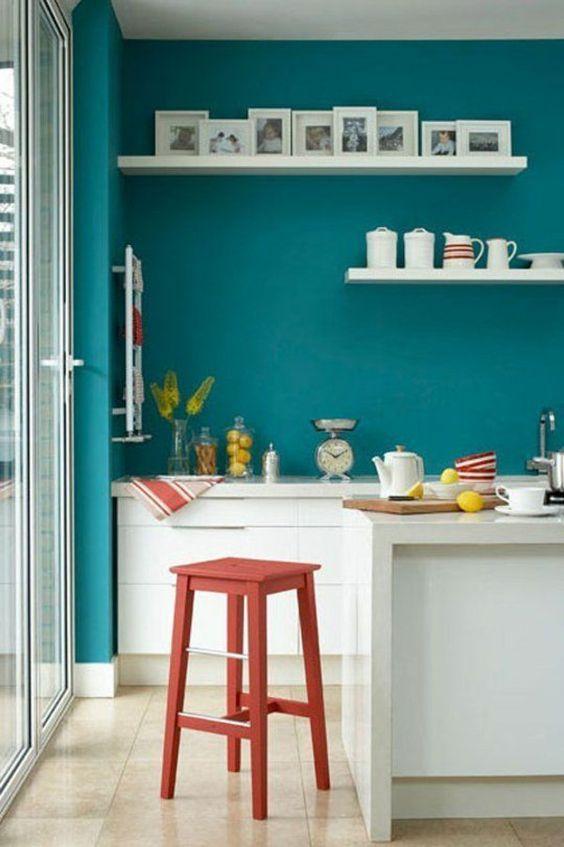 Wandfarbe bilder fotos Türkis wandgestaltung küche regale retro - küche farben ideen