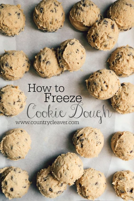 When the mood strikes for cookies, you don't always want to bust out the mixer! Learn how to freeze cookie dough so you just have to place them on the sheet and bake! Dish Count :: 1 Baking Sheet, Parchment Paper, Freezer Safe Bag Contrary to popular belief, I don't have all the time in …