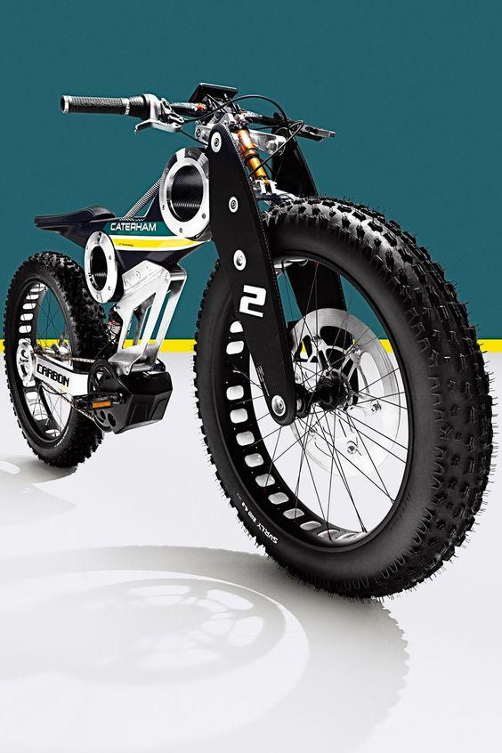 Technically, it's a moped. Caterham Brutus 750 Carbon E Bike. / Profundidade / A imagem esta numa perspectiva de baixo para cima, isto ajuda a ter uma noção de profundidade.