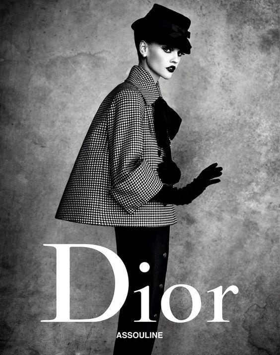 Christian Dior. Spring 1948. Model: Sasha Pivovarova. Photo: Patrick Demarchelier.