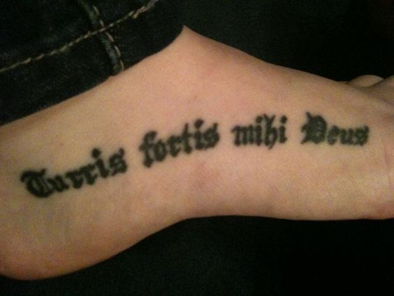 The kelly family family motto and coat of arms on pinterest for Family motto tattoos