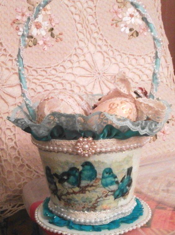 Cassy's Creations Spring Peat Pot basket.