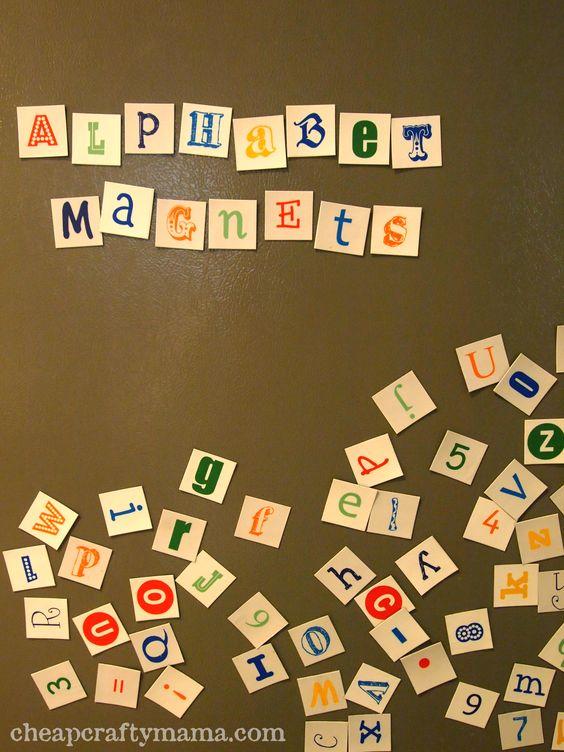 Letras para imprimir. Después puedes pegarlas en tapas de botella, añadir imanes y listo a practicar la lecto-escritura.     Cheap Crafty Mama!