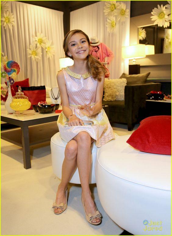 Minnie Gifting Lounge At The 2013 Radio Disney Awards ...