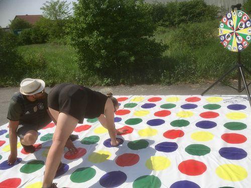 Riesen Twister Xxl Tagesmietpreis Riesen Twister Xxl Tagesmietpreis Appledecoration Decorationideas In 2020 Ferienprogramm Spiele Fur Kinder Spieldecke