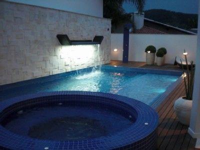 casa jurer internacional piscina e jacuzzi inspira o em rea de lazer com piscinas e. Black Bedroom Furniture Sets. Home Design Ideas