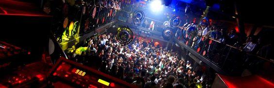 The You is een discotheek dat zeker een aanrader is voor mensen die graag House, Funk en R&B horen. Olivier Gosseries is de DJ die je vaak zal terug vinden in het Brusselse nachtleven.