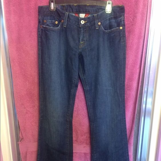 """Lucky Brand Lil Maggie Bootcut Women Jeans Lucky Brand women jeans Size: 8/29 Color: Blue denim Material: 96% Cotton & 4% Spandex Style: Lil Maggie Bootcut  Measurents:  Waist: 16"""" Hips: 18"""" Rise: 8"""" Inseam: 36""""  """"The overall length (from the top of the waistband to the bottom of the pants) measures 43""""  VERY GOOD CONDITION Come from a smoke/pet free home Lucky Brand Jeans"""