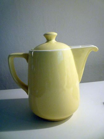 Vintage PASTEL GELE MELITTA KOFFIEPOT, jaren 50  keuken  Pinterest ...