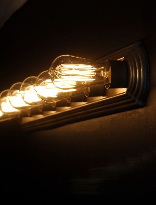 Edison bulbs, Lightbulbs and Vanities on Pinterest