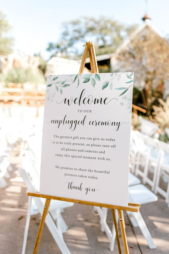 Unplugged Ceremony Sign Wording | How to Have an Unplugged Wedding | Fall Boho Wedding Ideas | Boho Wedding Decor | Dallas Wedding Photographer | Rustic Boho Wedding Style