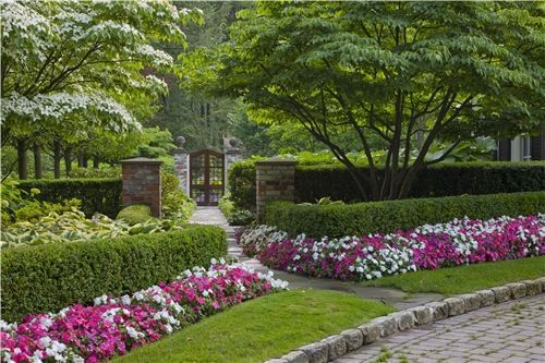 Web Site Clarkston Mi Picture Gallery Landscaping Community In 2020 English Garden Design Landscape Plans Traditional Landscape