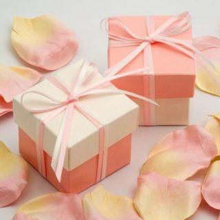 Gastgeschenk Kartonage Box mit Deckel weiß - rosé