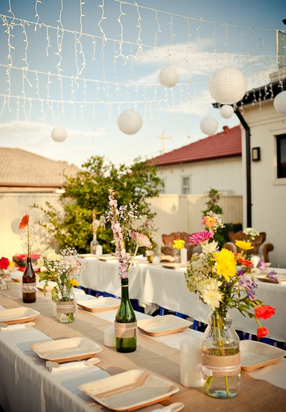Inexpensive outdoor weddings affordable wedding for Cheap wedding venue decoration ideas